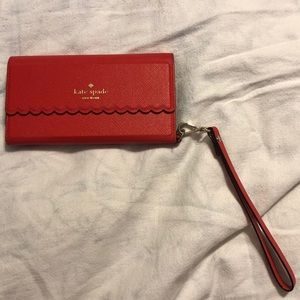 Kate Spade Scallop Folio Wristlet iPhone 6/6S Case
